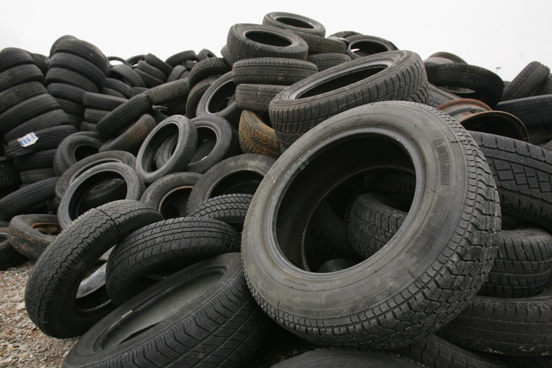 Picture of stack of old tires.